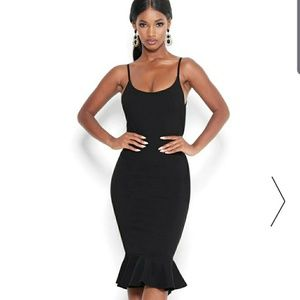 BEBE  bodycon stretch little black dress